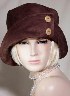 Pin by mihaela on winter hats in 2019 mössa, kläder, hattar Headdress, Headpiece, 1920s Hats, Ethno Style, Fancy Hats, Diy Hat, Love Hat, Hat Hairstyles, Hat Pins