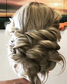 boho hairstyles for long hair Long hair boho updo tutorial Boho Wedding Hair Updo, Long Hair Wedding Styles, Bridal Hair, Long Hair Styles, Simple Wedding Hair, Boho Wedding Makeup, Boho Makeup, Simple Bridesmaid Hair, Prom Makeup