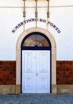 Photos and stories about traveling in Sao Martinho do Porto, Portugal