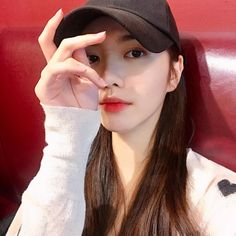 158.3k Followers, 130 Following, 285 Posts - See Instagram photos and videos from 김예린 (@yexrinxk) Korean Make Up, Cute Korean Girl, Tumblr Photography, Photography Poses, Ideal Girl, Rapper, Korean People, Uzzlang Girl, Instagram Pose