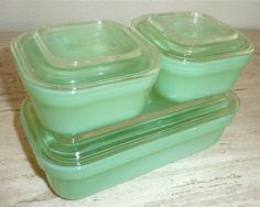 Anchor Hocking Fire King Colonial Rim Refrigerator Boxes, Jadite with crystal lids  2 4x4 1 4x8