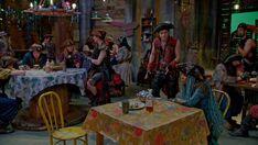Disney Descendants 2, Descendants Cast, Isle Of The Lost, China Anne Mcclain, Live Action Movie, Action Movies, Thomas Doherty, Ursula, Disney Channel