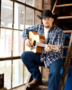 Check out Travis Russom on ReverbNation