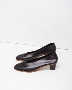 MINIMAL + CLASSIC: MARTINIANO | High Heeled Glove Slipper