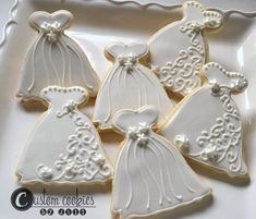 Items similar to 1 DOZEN - Wedding Bridal Shower Hearts Love Cake Dress on Etsy Fancy Cookies, Iced Cookies, Cut Out Cookies, Royal Icing Cookies, Cupcake Cookies, Cookies Et Biscuits, Sugar Cookies, Cupcakes, Tea Biscuits