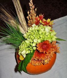 DIY Easy Pumpkin Flower Arrangement
