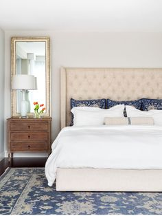 Nightstands and mirrors with upholstered headboard. #PillowSet