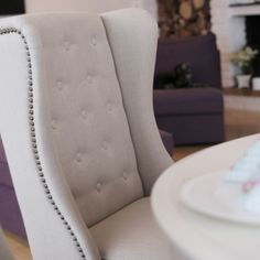 Fru Lin spisestuestol fra Krogh Design. www.krogh-design.no Apartment Goals, Accent Chairs, Ottoman, Armchair, Dining Room, Furniture, Design, Home Decor, Womb Chair