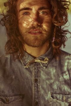Matt Corby - Long shaggy messy Hair style w/ beard Matt Corby, Most Beautiful Man, Gorgeous Men, Better Half, How To Look Better, Pretty People, Beautiful People, Surfer Guys, Hey Man