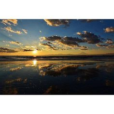 【atsu88_2】さんのInstagramをピンしています。 《・ ・ ・ #first post ・ I believe ・ ・ #夕日 #夕陽 #sunset #太陽 #sun #海 #sea #空 #sky #青空 #雲 #clouds #グラデーション #gradation #リフレクション #reflection #instagood #instalike #instagram #instadaily #like4like #likeforlike #likes #follow #followme #love #love》