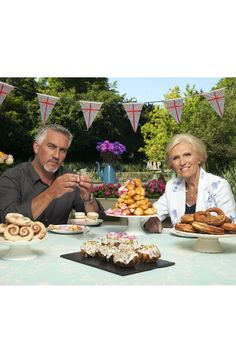 The Great British Bake-Off is here- my two favourite bakers of all time xx Paul Hollywood And Mary Berry, British Sitcoms, Favorite Tv Shows, My Favorite Things, Gbbo, British Baking, Great British Bake Off, No Bake Cake, Chefs
