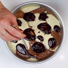 Marble Cake Marble Cake Recipe – Moist, Fluffy, and So Easy To Make Marble Cake Recipe Moist, Chocolate Buttercream Recipe, Chocolate And Vanilla Cake, Marble Cake Recipes, Layer Cake Recipes, Salted Chocolate, Mini Chocolate Chips, Dessert Recipes, Desserts