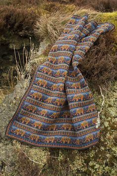 Elephants blanket hand knitwear design by Alice Starmore from the book The Children's Collection Elephant Baby Blanket, Elephant Theme, Baby Blankets, Alice Starmore, 2 Ply, Elephants, Knitwear, Knitting, Children