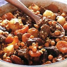 Tagine is both the name of a ceramic pot and the casserole like dishes that are cooked in them. Below is a sample of tangine recipes you can try at home with your casserole dish. Cooking A Roast, Healthy Cooking, Cooking Lamb, Slow Cooking, Cooking Classes Nyc, Healthy Recepies, Dairy Free Diet, Good Food, Yummy Food