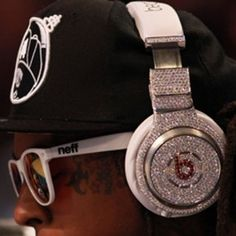 Why make do with a regular pair of headphones when you can buy a custom-made, diamond-studded version for $1,000,000?