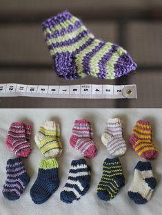 Носочки спицами для новорожденных. Описание от Дарьи