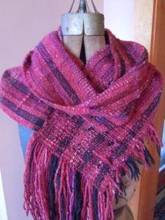 Saori infinity scarf to warm you on those cold days.
