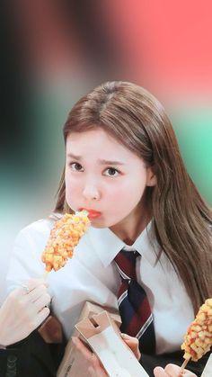 Bts Twice, Twice Once, Twice Kpop, Kpop Girl Groups, Korean Girl Groups, Kpop Girls, K Pop, Twice Fanart, Nayeon Twice