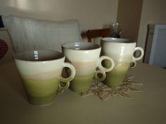 1ière série de mugs blanc et vert
