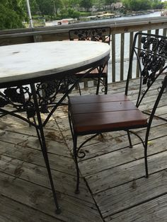 Woodard Grape Leaf Wrought Iron 3 Foot Round Table With Marble And 4  Redwood Chairs