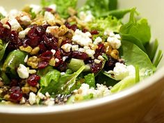 Spinach Salad with Cranberries, Walnuts, and Feta served with vinigerette. For dinner, pumpkin soup with warm fresh bread. Cranberry Salad, Vegetarian Recipes, Cooking Recipes, Healthy Recipes, Protein, Clean Eating, Healthy Eating, Healthy Food, Spinach And Feta