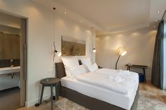 CLIC richtet Luxus Ferienwohnungen auf Rügen ein -Villa Claire #interior design #rügen Industrial Lighting, Villa, Cool Stuff, Bedroom, Projects, Furniture, Design, Home Decor, Homes