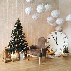 Novogodišnji dekor: kako napraviti sjajnu atmosferu u kući Christmas Mini Sessions, Christmas Minis, Christmas Pictures, Christmas And New Year, Christmas Crafts, New Years Decorations, Christmas Decorations, Holiday Decor, Christmas Shop Displays