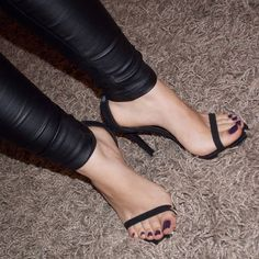 Perfect nails and pedicure in highheels. #highheels