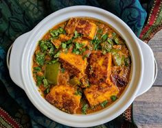 Paneer tikka masala is an exotic Indian curry made of marinated and grilled paneer cubes dunked in a spicy and rich onion tomato based gravy. Paneer Tikka Masala Recipe, Chaat Masala, Paneer Recipes, Veg Recipes, Curry Recipes, Aloo Methi, Tikka Recipe, Cooker Recipes, Recipies