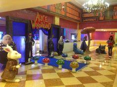 Agregamos props y personajes para que todo sea perfecto en tu fiesta temática. Visítanos http://missxv.grupopalacio.com.mx/