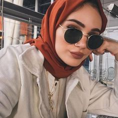 Modern Hijab Fashion, Hijab Fashion Inspiration, Abaya Fashion, Muslim Fashion, Modest Fashion, Fashion Outfits, Stylish Hijab, Casual Hijab Outfit, Hijab Trends
