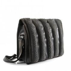 """Je craque complètement pour les créations de """"marron rouge"""" en pneu et chambre à air recyclés"""