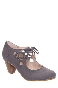 Chelsea Crew - Vinny Low Heel Cutout Shoe - Taupe
