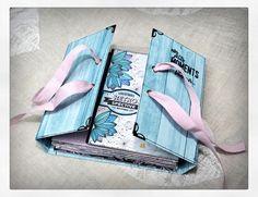 Mini Album Scrap, Baby Mini Album, Album Photo Scrapbooking, Mini Albums Scrapbook, Album Photo Original, How To Make Scrapbook, Bullet Journal Themes, Heartfelt Creations, Handmade Books