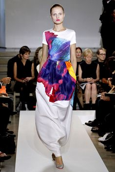 Art meets fashion. Jil Sander Spring 2011 Collection.
