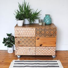 Image of Reloved Magazine Offer Pine Furniture, Refurbished Furniture, Upcycled Furniture, Furniture Projects, Furniture Makeover, Furniture Decor, Bedroom Decor, Pine Bedroom, Diy Home Decor