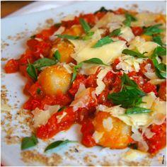 Nhoque de batata doce com molho rústico de tomate
