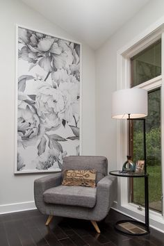See How the Property Brothers Introduced Mid-Century Modern Design in a Classic Prairie Home - Framed wallpaper murals = subtler alternative to a bold feature wall - Framed Wallpaper, Grey Wallpaper, Wallpaper Panels, Wallpaper Murals, Wallpaper On Furniture, Living Room Wallpaper Accent Wall, Wall Murals, Wall Art, Painting Furniture