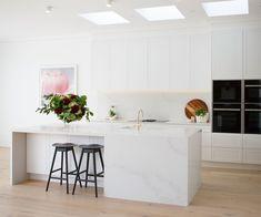 Real reno: This Melbourne overhaul is a riot of texture - The Interiors Addict New Kitchen, Kitchen Decor, The Block Kitchen, Shaker Kitchen, Granite Kitchen, Kitchen Layout, Kitchen Furniture, Kitchen Ideas, Küchen Design