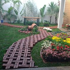 Clever & Beautiful Yard Island Landscaping for Backyard and Front yard 40 Small Backyard Gardens, Backyard Garden Design, Garden Bar, Night Garden, Garden Boxes, Garden Ideas, Brick Garden, Garden Paths, Outdoor Landscaping