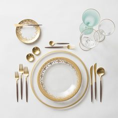 Gold Halo Glass Charger + Gold Versailles Glass Dinnerware + GOA 24K Gold & Wood Flatware + 14K Gold Salt Cellars + Chloe Gold Rimmed Stemware & Chloe Gold Rimmed Stemware in Aqua | Casa de Perrin Design Presentation
