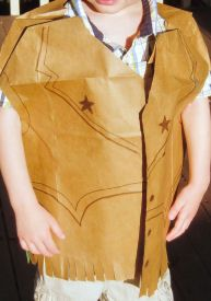 Giddy Up Cowboy! Make this cool paper bag vest with your little cowboy. It's a great activity to do for a Cowboy or Cowgirl themed birthday party or make a costume for Halloween. Cowboy Theme, Cowboy Party, Western Theme, Preschool Crafts, Crafts For Kids, Fall Preschool, Craft Kids, Preschool Ideas, Cowboy Vest