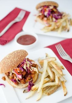 BBQ Chickpea Sandwiches - Pass the BBQ! Smoky, saucy BBQ chickpea sandwiches topped with healthy, low-fat rainbow slaw. Good Healthy Recipes, Real Food Recipes, Vegetarian Recipes, Vegan Vegetarian, Vegan Food, Chickpea Sandwich, Crispy Tofu, Vegan Dinners, Sauce Recipes
