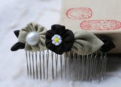 Fabric flowers hair comb