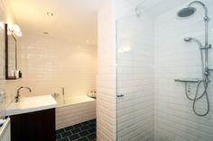 badkamer metrotegels hout - Google zoeken