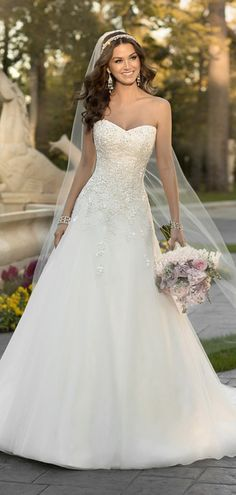 30 Simple Wedding Dresses For Elegant Brides | Elegant bride ...