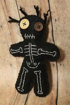 VooDoo doll-Skeletal voodoo doll-bones-Voo Doo doll-Skeleton voo doo-Skeleton doll-Halloween decor-p Creepy Stuffed Animals, Muñeca Diy, Monster Dolls, Voodoo Dolls, Creepy Dolls, Felt Toys, Stuffed Animal Patterns, Felt Ornaments, Diy Doll