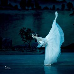"passioneperladanza: "" Oksana Skoryk as Giselle. Photo: Jack Devant """