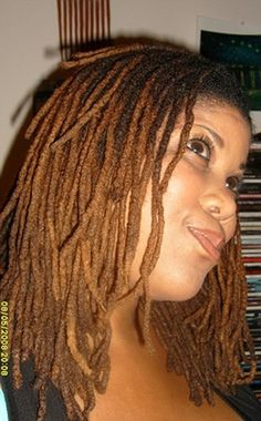 click the image for her public fotki account and see more fab locs.