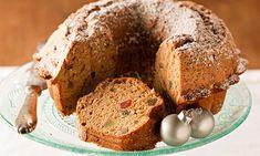 O Natal também se comemora à mesa e são vários os pratos que pode adaptar para terem um espírito mais natalício. Este bolo de Natal é um deles.